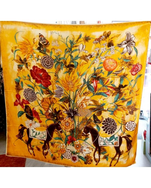 "grand foulard soie ''YELLOW CHEVAL"""